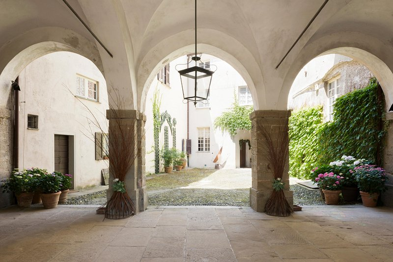the large entrance courtyard