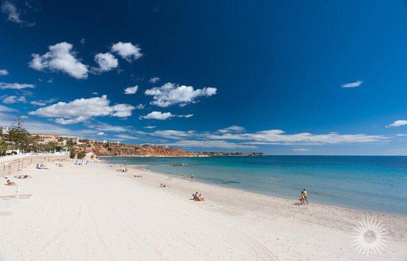 Cabo Roig Beachside 3 bedroom House (S2), aluguéis de temporada em Orihuela Costa
