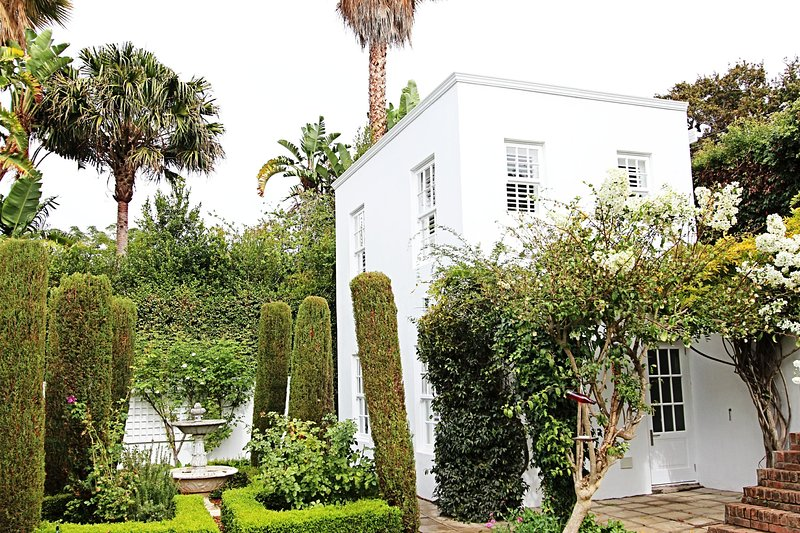 Richmond House Garden Cottage, holiday rental in Bishopscourt