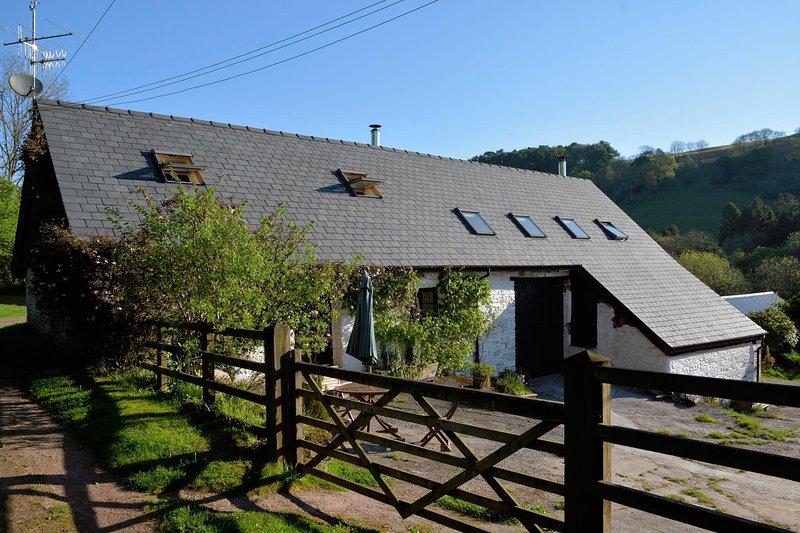 Gilfach Barn Loft - a rural hideaway, casa vacanza a Llandovery