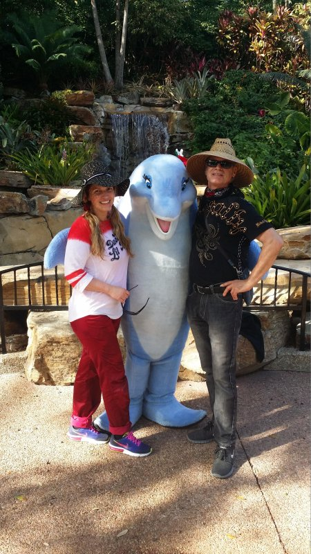 The Cottage Counselors, Karen, Blue Dolphin and Capt.Al welcome you for a great beach vacation