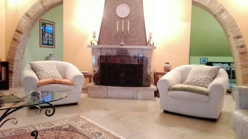 MANSARDA CON BELLISSIMA VISTA PANORAMICA, vacation rental in Petacciato