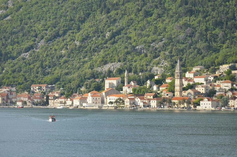 Apartment with a great view of Perast, vacation rental in Tivat Municipality