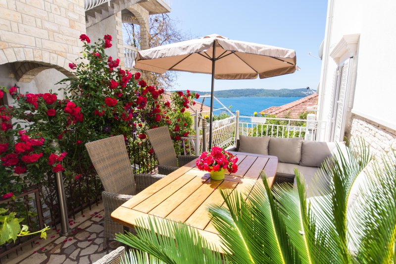 Villa Roza-Luxury apartment -relaxing atmospfere – semesterbostad i Trogir