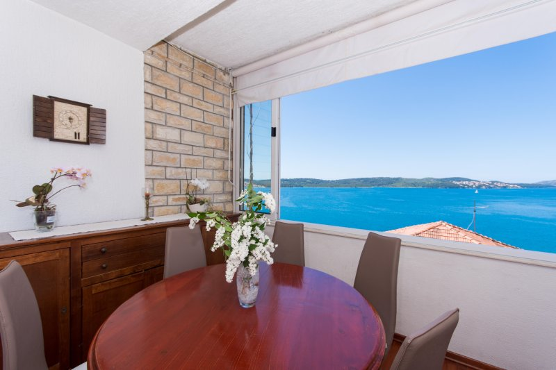 Apartment with breathtaking seaview – semesterbostad i Trogir