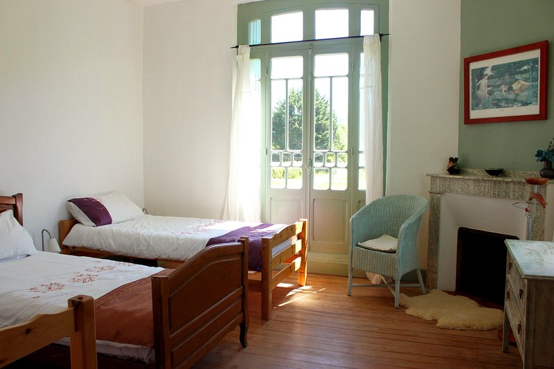Maison Esmeralda Chambres d'Hotes & Gite 4, holiday rental in Boussenac