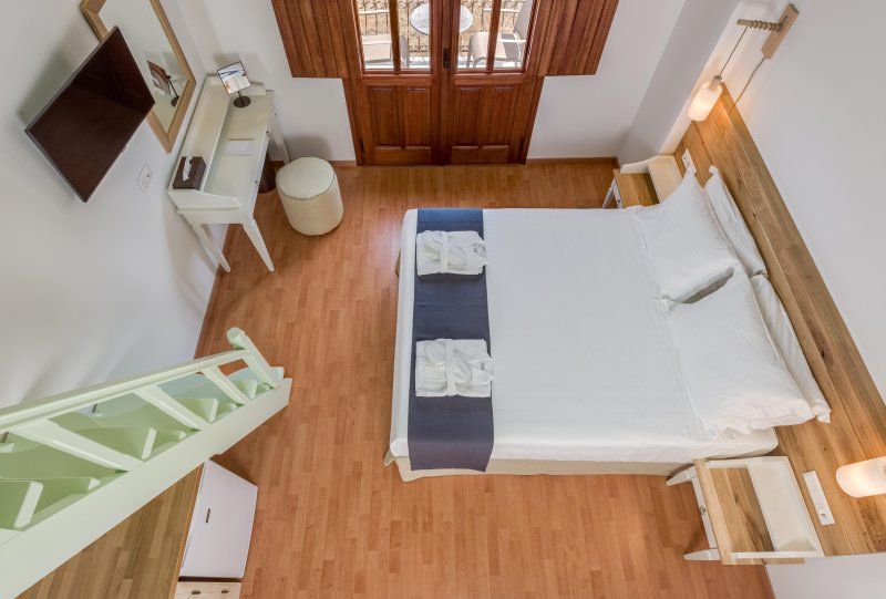 Family Apartment with Sea View C, vacation rental in Pedi