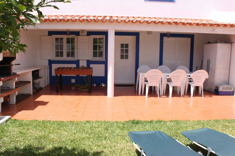 Casa do Almograve - 5 minutes walk to the beach, vacation rental in Beja District