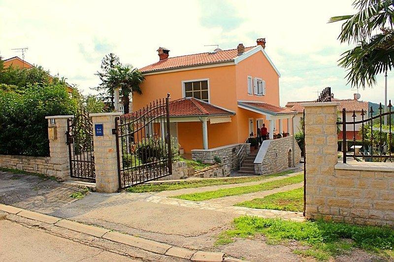 Villa Katica B4+1, location de vacances à Varvari