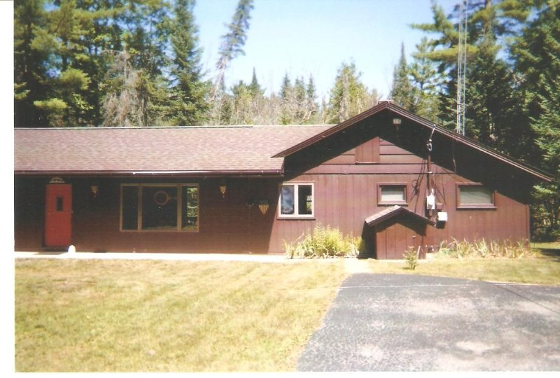 South Branch AuSable River House, vacation rental in Saint Helen