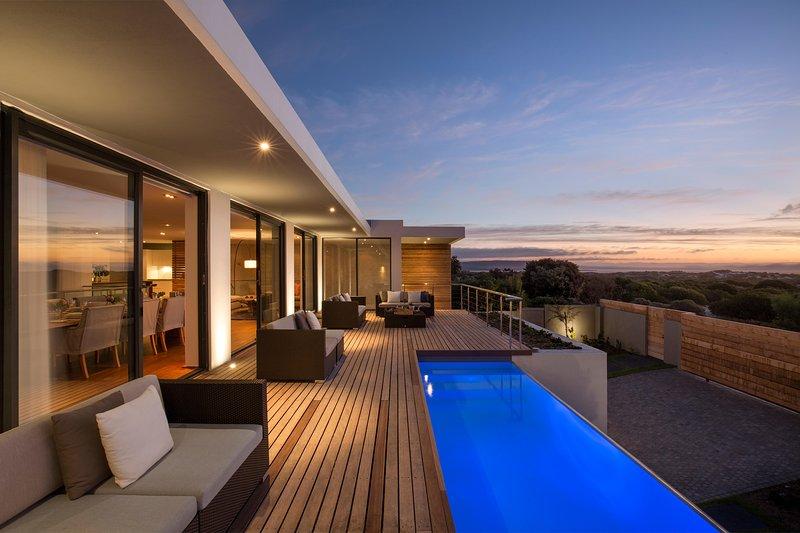 WATERLINE Luxury Beach Villa, Noordhoek, Cape Town, vacation rental in Noordhoek