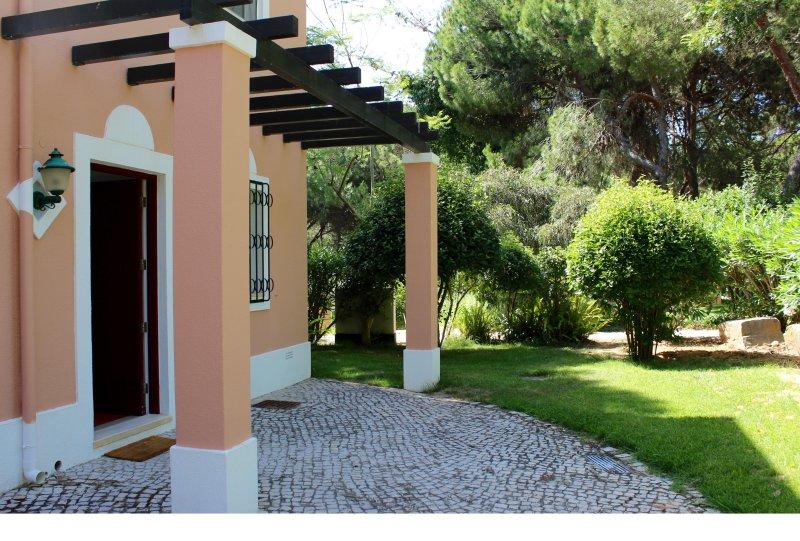Magnificent V1 - Absolutely New, Vilar do Golf, Quinta do Lago, location de vacances à Quinta do Lago