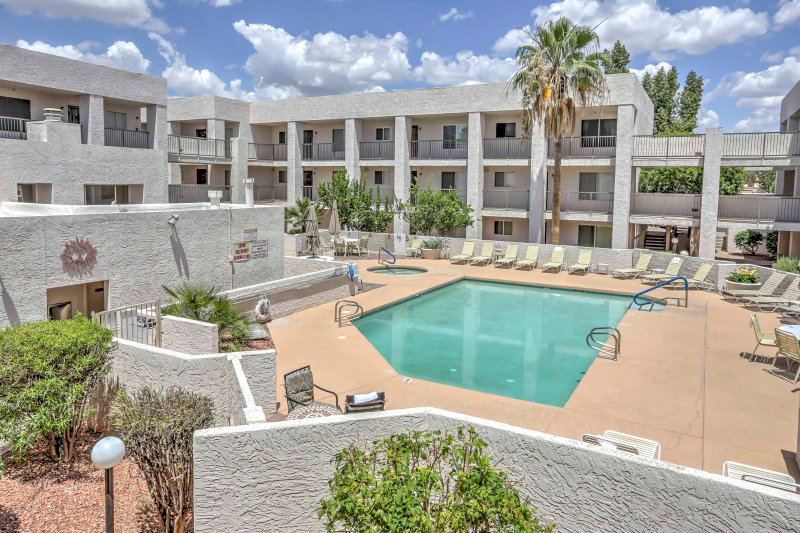 Pack your bags and head to Casa Requena 1 in Scottsdale, where you'll find a luxurious 2-bedroom, 2-bathroom Scottsdale vacation rental condo!