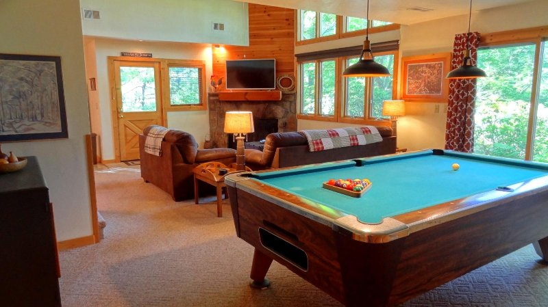 Private, Mt. LeConte Mountain Views, vacation rental in Gatlinburg