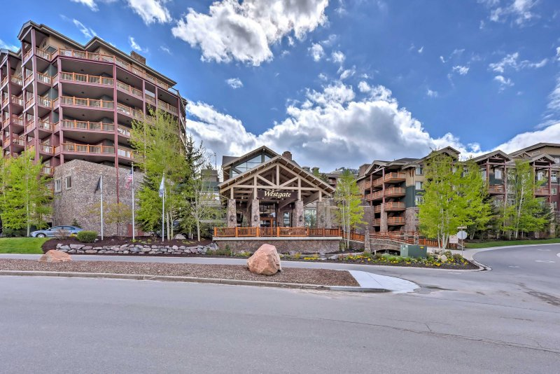 For the ultimate Utah getaway, book this luxurious vacation rental condo!