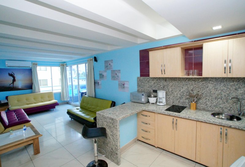 VERY NICE MODERN APARTMENT IN A TOP LOCATION, vacation rental in Cartagena