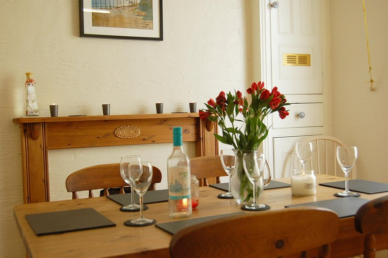 Bronmeirion Family Holiday Home, holiday rental in Tywyn
