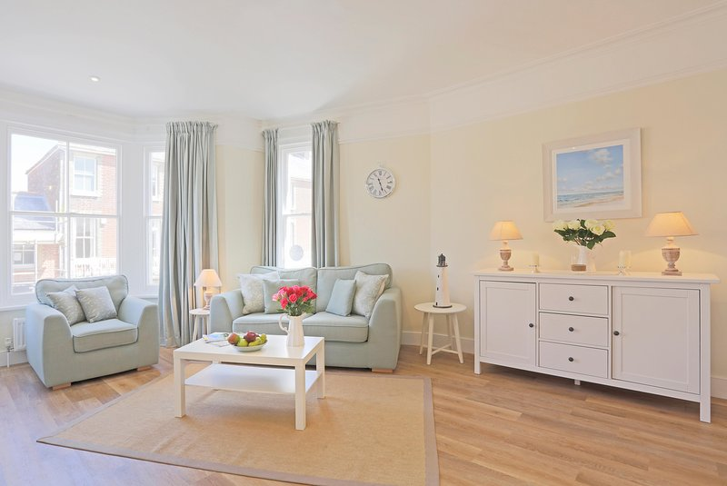 The Pier -Suffolk House: Luxurious , central apartment with fantastic sea views, vacation rental in Southwold