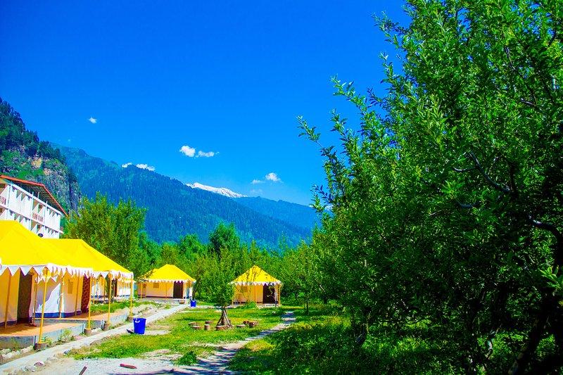 Retro Valley Camping Resort, location de vacances à Shuru