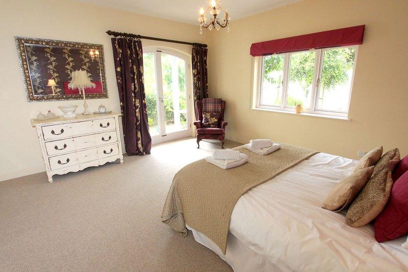 The Lindens Croyde Holiday Cottages Master Bedroom