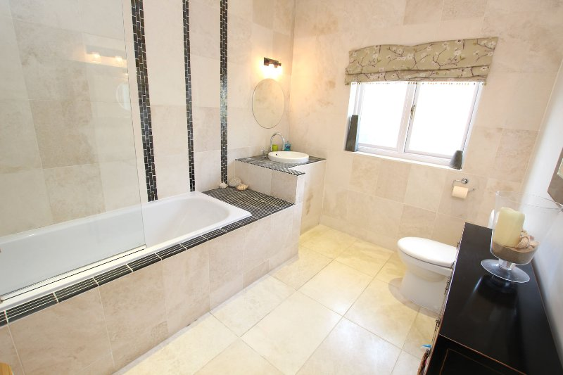 Croyde Holiday Cottages The Lindens Fam Bath