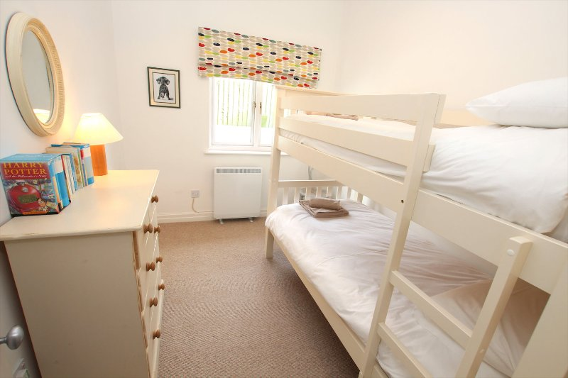 Croyde Holiday Cottages The Lindens Bunk Room