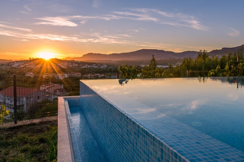 Seventh Heaven Villa with infinity pool, near Split city center, vacation rental in Split