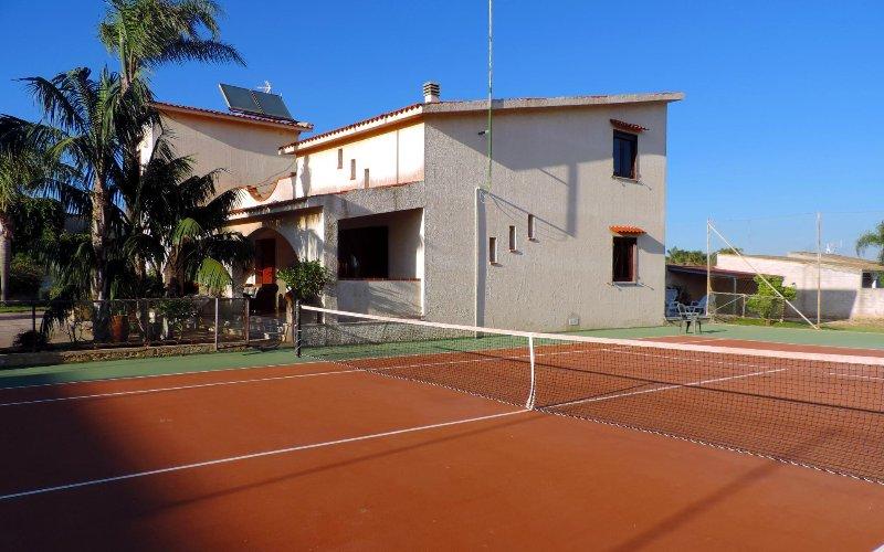 Villa with tennis court in Mazara del Vallo