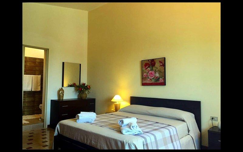 Villa with tennis court in Mazara del Vallo - room with private bathroom