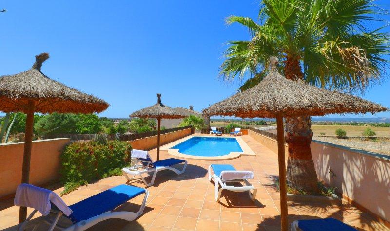 Alcoraia, wifi gratis, piscina privada, casa vacanza a Ses Salines