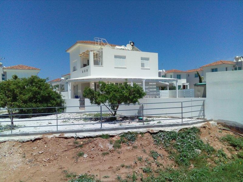 Avra Garden Villa, location de vacances à District de Famagouste