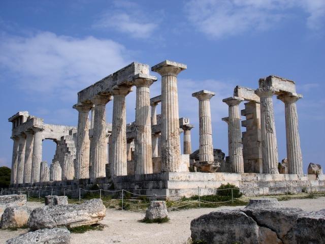 Antike Tempel von Afaia in Aegina