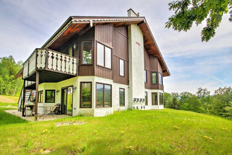 Scenic Bartlett Home w/ Deck - 1 Mi to Storyland!, vacation rental in Glen