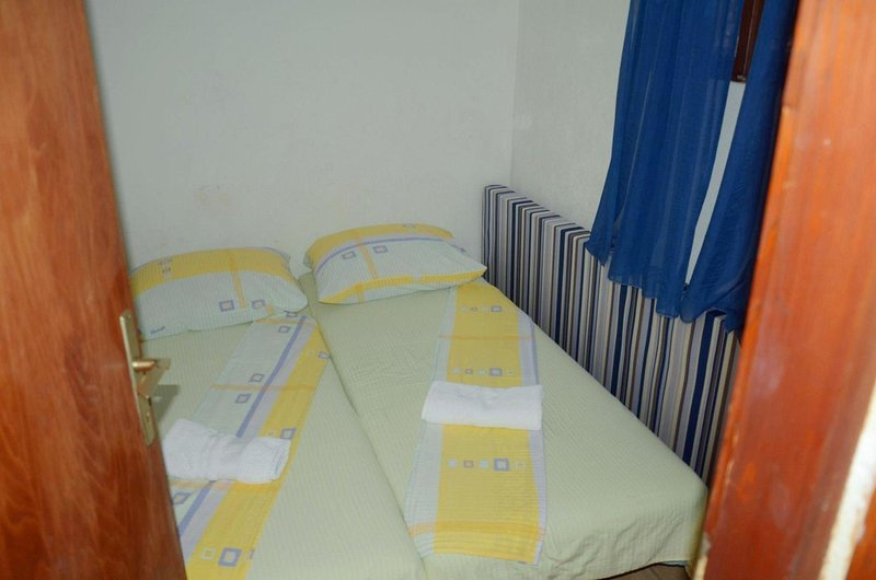 H(4+1): bedroom