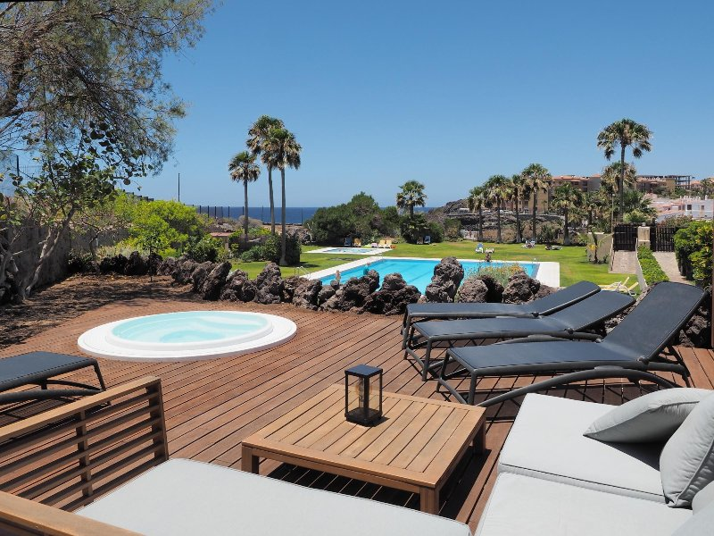 11 Seafront, golf, swimming pool, holiday rental in Golf del Sur