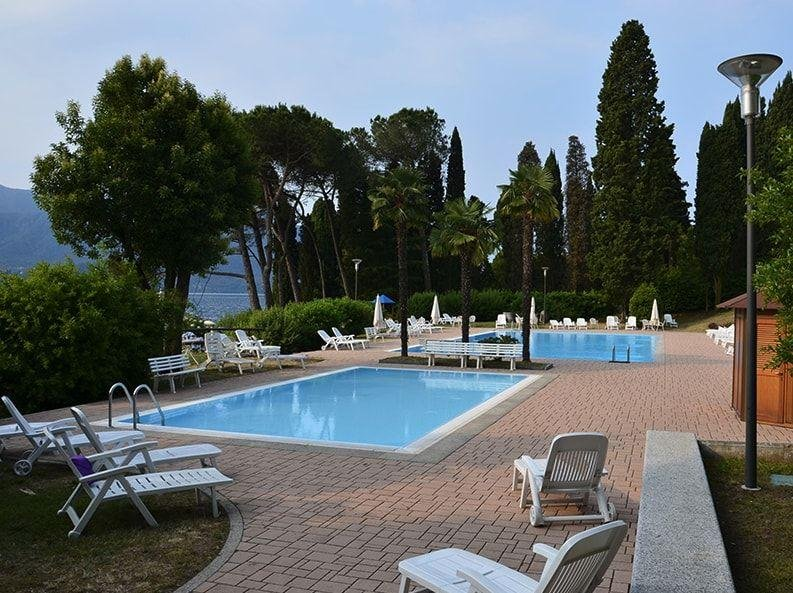 Marzia apartment in Residence with Swimming pool in Oggebbio, holiday rental in Aurano