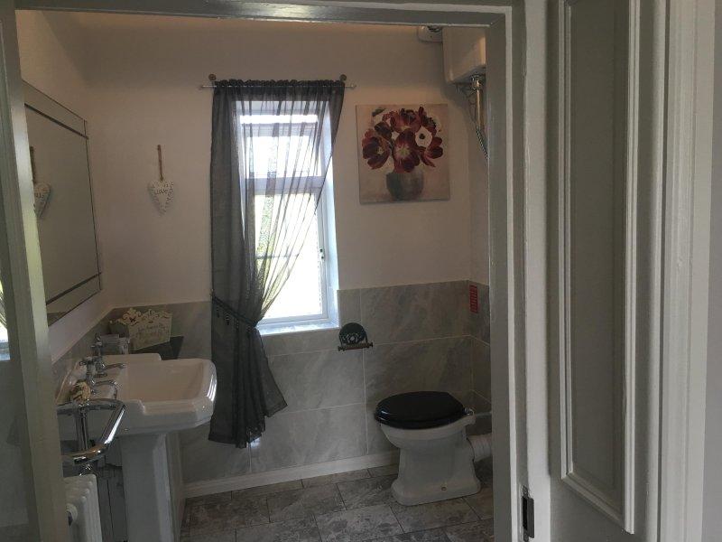 Opfrissen in onze mooie periode badkamer