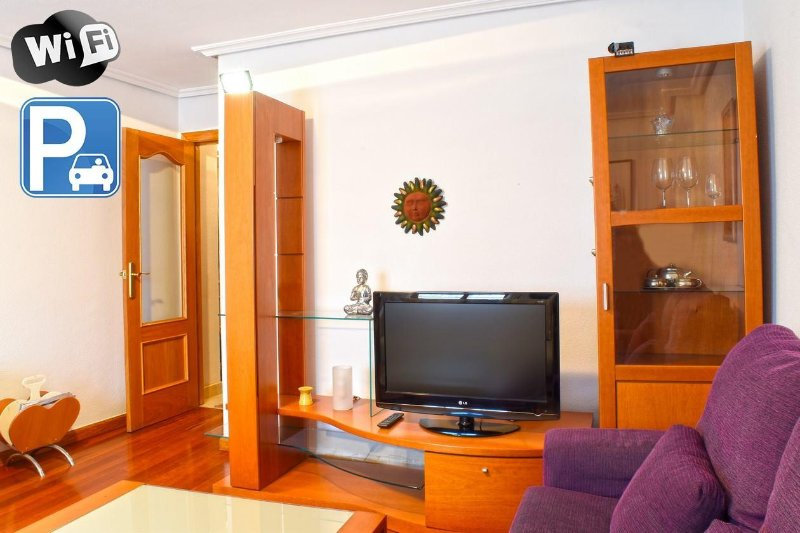 1 Apartamento Centro Ciudad (parking,wifi..), vacation rental in Province of Salamanca