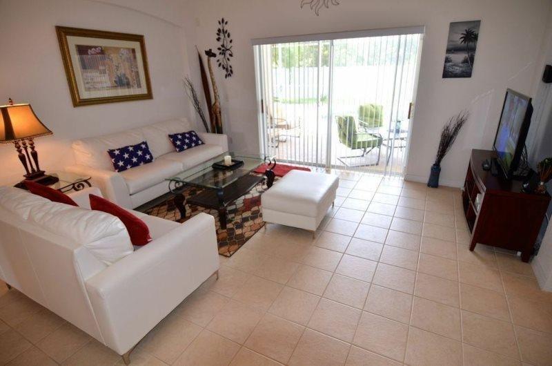 2572SHPC. Fabulous 4 Bedroom 3 Bath Pool Home With Amenities Galore, location de vacances à Polk City