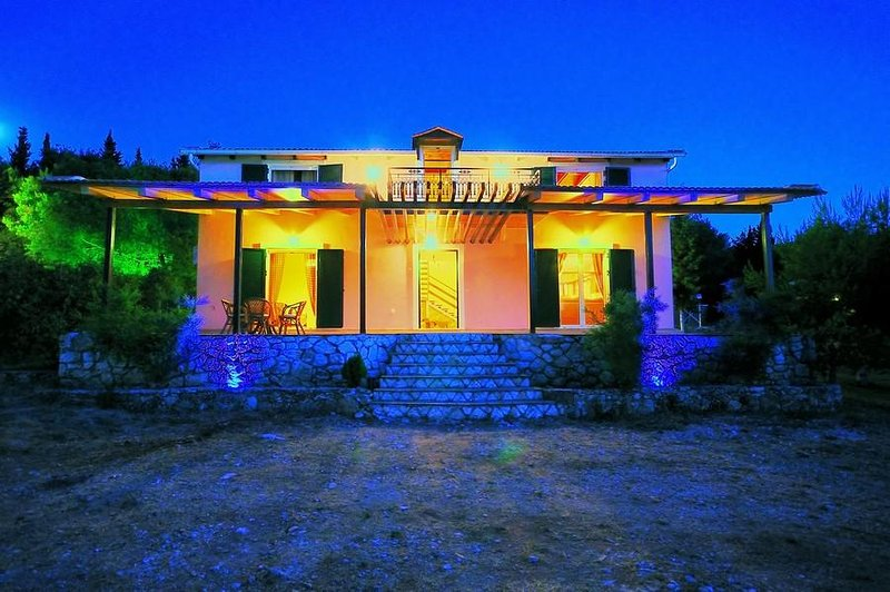 Villa Elatia, holiday rental in Kampi