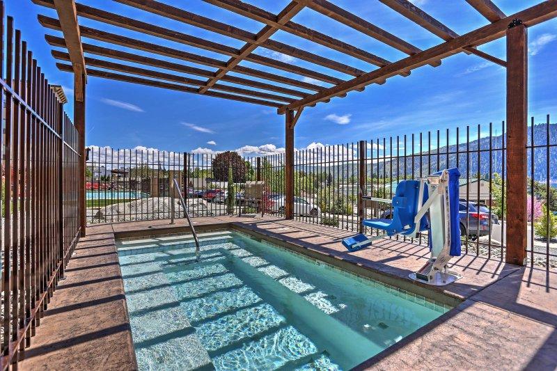 Con un'area piscina condominiale, una vasca idromassaggio e guado - questo ponte è un piacere per tutti!
