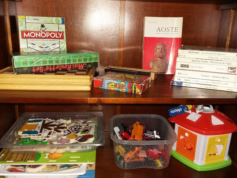 games and books to pass the time, provided free of charge