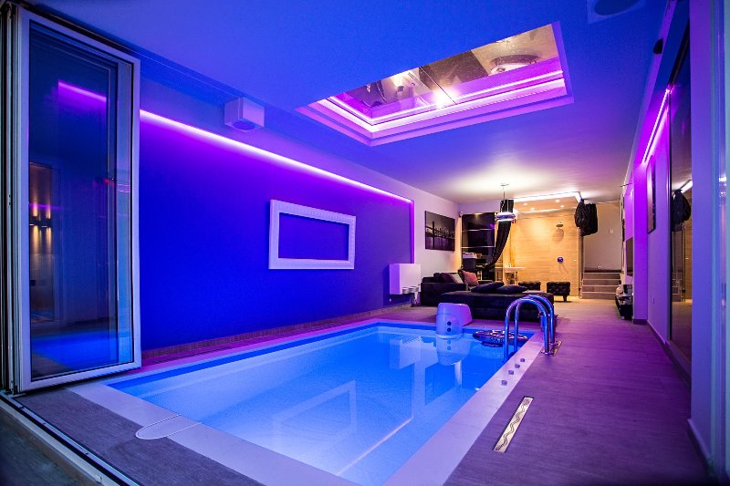 #1 Lux Party House with indoor Pool⭐Spa⭐Zen Yard⭐Belgrade, vacation rental in Belgrade