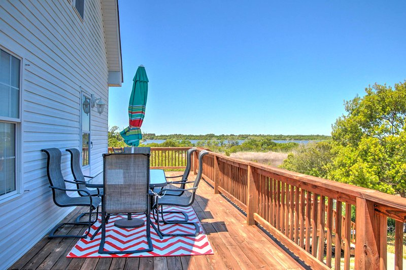 Enjoy great views overlooking the Atlantic coast at this North Topsail Beach vacation rental house!