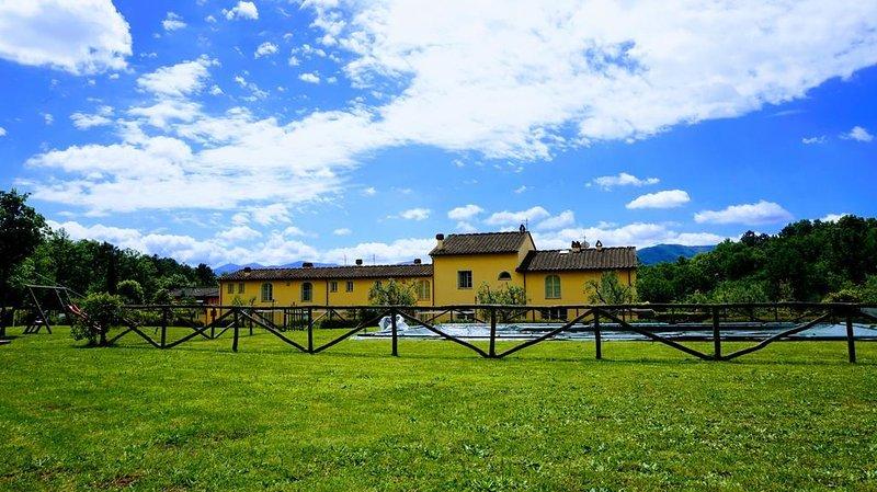 SunnySide casa con piscina fra le colline Lucchesi, holiday rental in San Macario in Piano