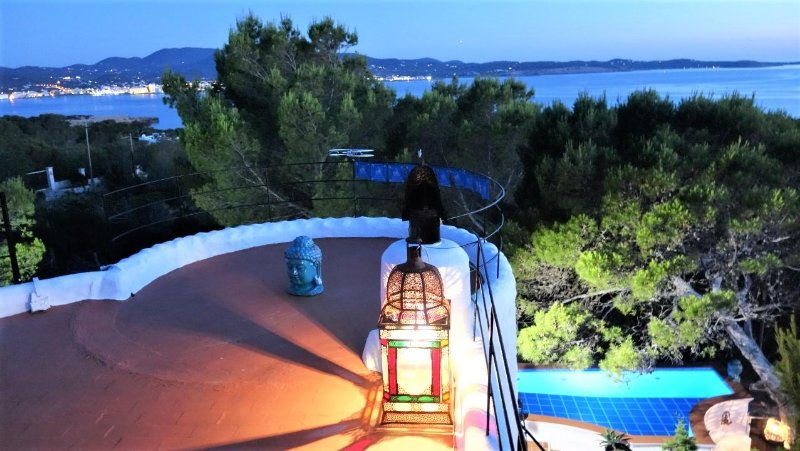 COASTLINE CHALET + POOL panorama vista of SEA and SUNSETS Cap Negret San Antonio, alquiler de vacaciones en Ibiza
