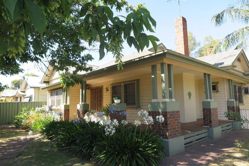 Benalla Lakeview Cottage