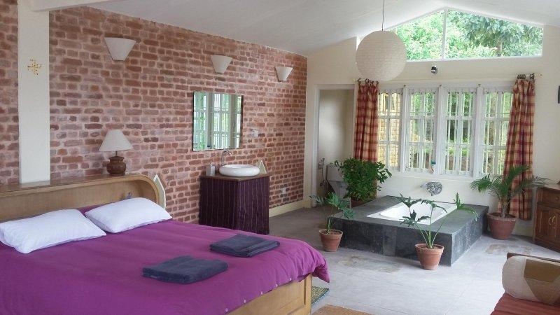 camera da letto con vasca