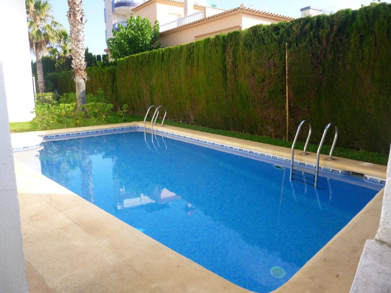 Adosado con piscina oliva nova oliva espa a actualizado 2019 alquileres vacacionales en - Camping en oliva con piscina ...