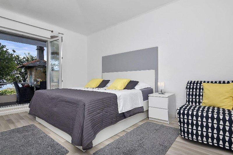 Citrus (3+1): bedroom
